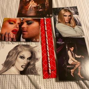 Jeffree Star straw and cards